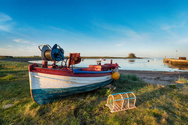 A USC coordina un proxecto que avalía o impacto da prohibición de descartes sobre a pesca artesanal na Unión Europea